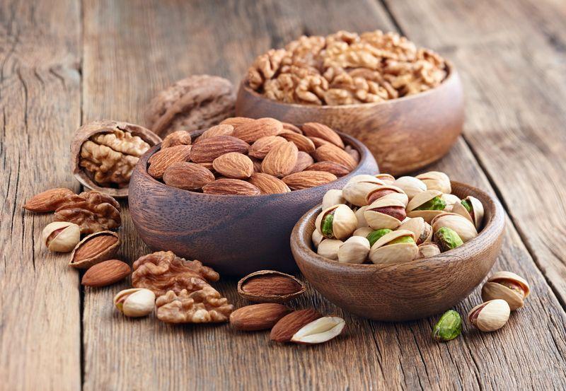 Các loại hạt khô nằm trong nhóm ngũ cốc cho bà bầu cũng trở thành những món ăn vặt bổ dưỡng cho mẹ bầu.