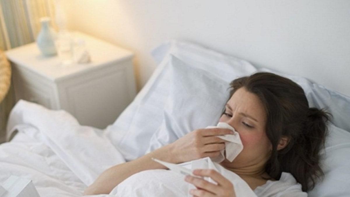 Bị sốt cao trong quá trình mang thai tiềm ẩn nhiều nguy hại cho cả mẹ và thai nhi.