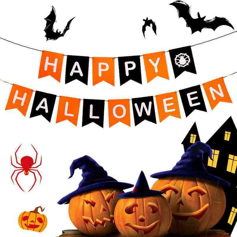 Trang trí halloween cho lớp học bằng dây trang trí xinh xắn, độc đáo.
