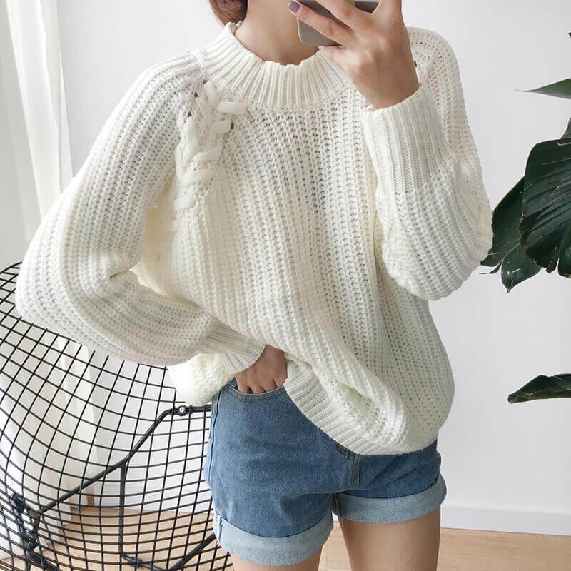 Áo len kết hợp với short jean