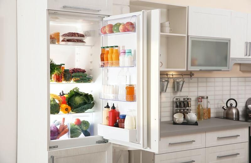 Đảm bảo không gian giữa các loại thực phẩm để khí lạnh có thể len lỏi khắp không gian tủ