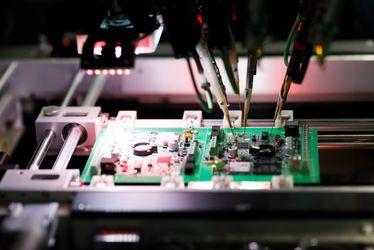 [Translate to Französisch:] electronics vibration and quality test