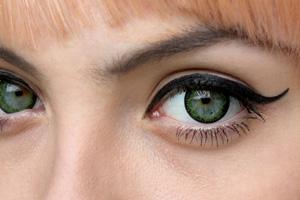 Neo Cosmo Dali&Circle N532 Green Clover contact lenses
