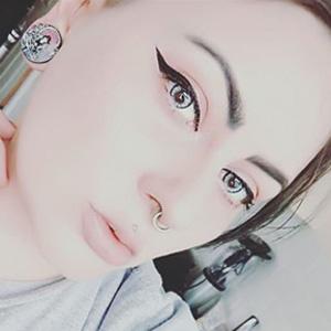 Soleko Queens Oros Ash Glance contact lenses on @myfriendscallmemoonunit