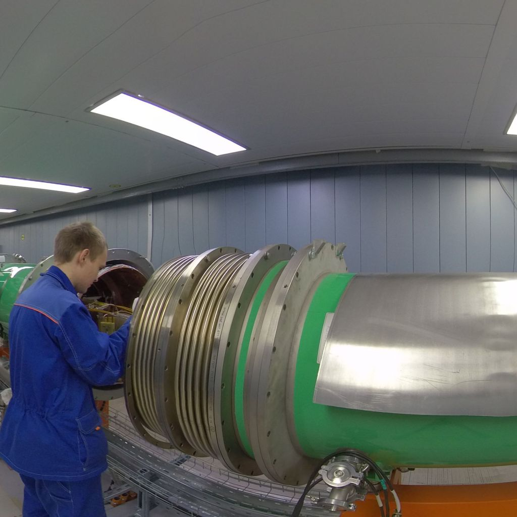 Booster tunnel (1st accelerating ring)