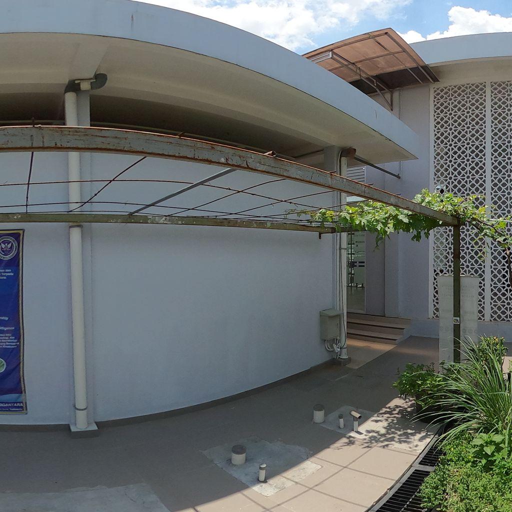 Sandya Wistara-Integrated Fish pool and Garden
