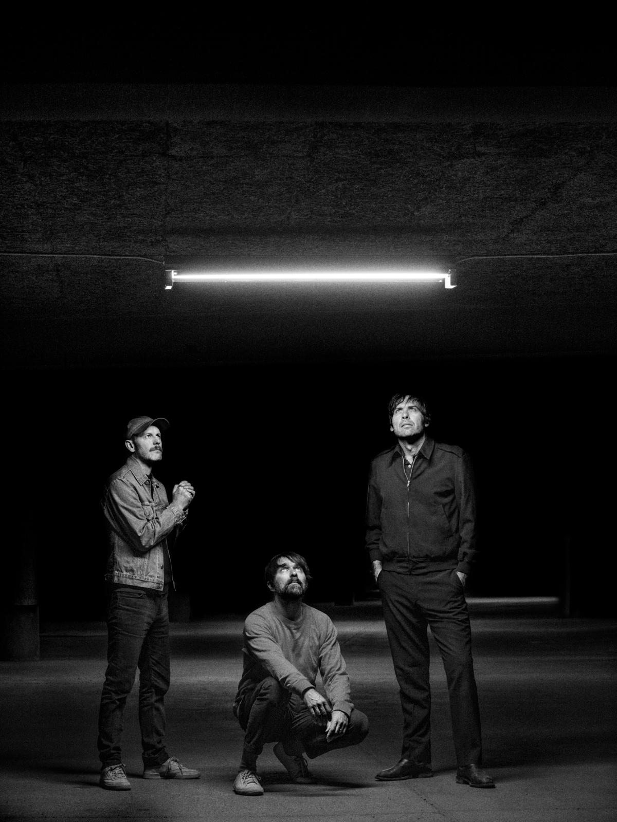 Peter Bjorn and John släpper nya albumet Darker Days.