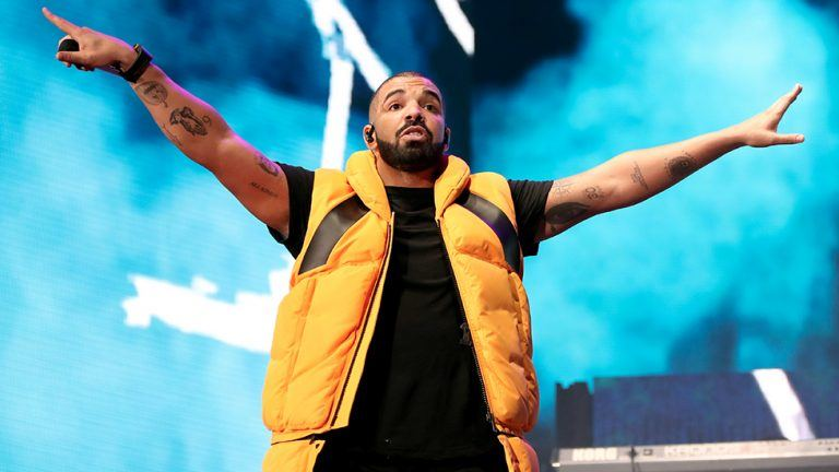 Picture: Drake krossar nytt Billboard-rekord och tatuerar in Beatles