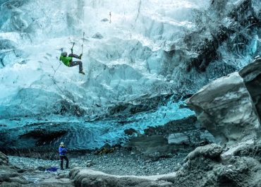 Smugmug-films-ice-climbing-on-orms-connect