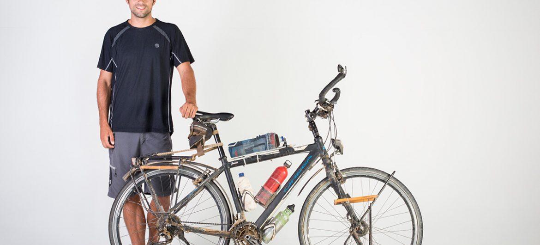 Javier-Martinez-Around-the-world-on-a-bike-04