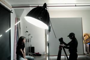 7 Easy Light Setups for Portrait Photography with Mango Street