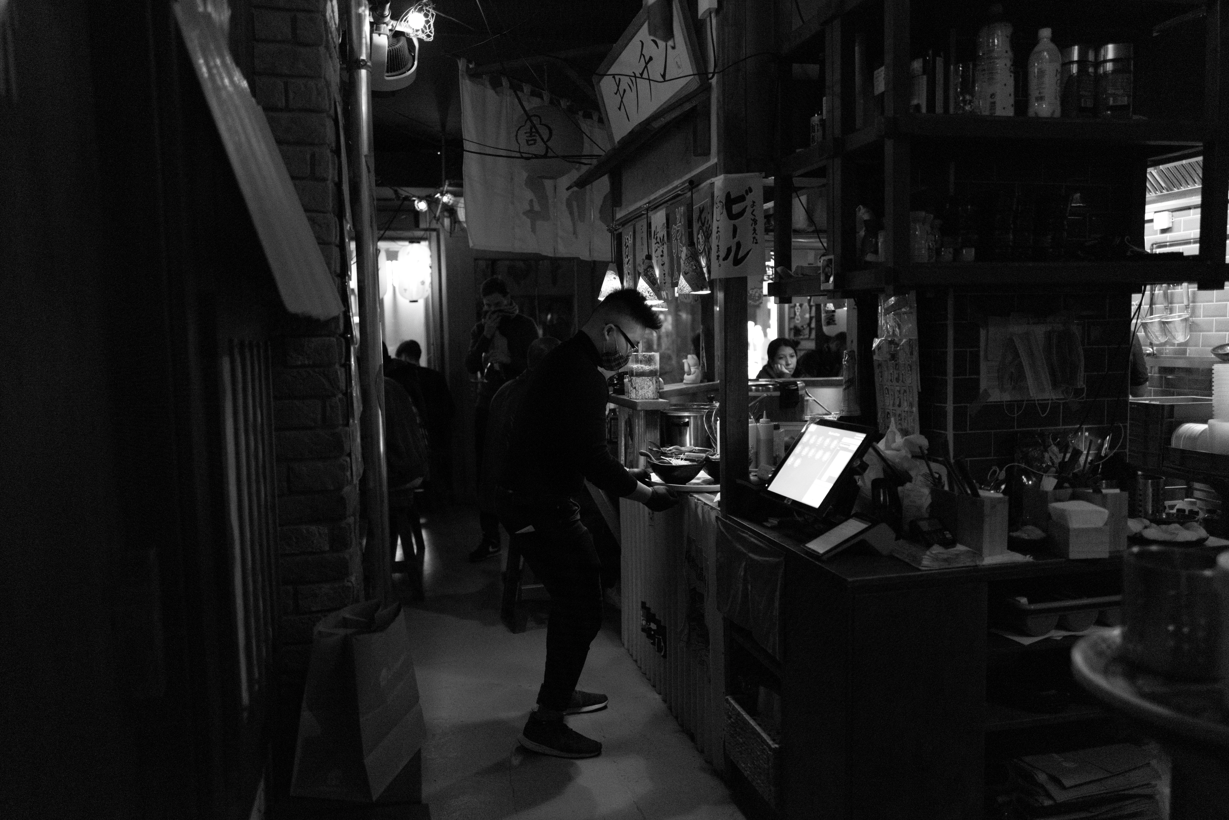 leica q2 monochrom low light performance