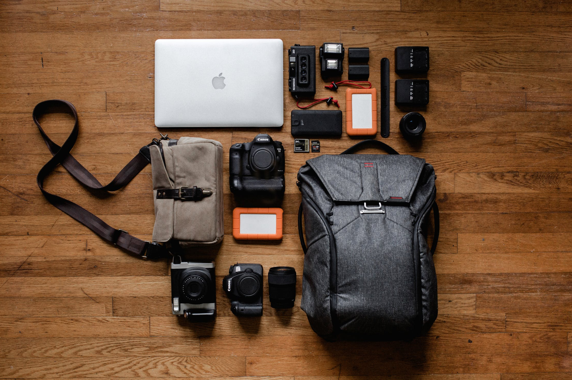 Top 9 Essential Photographic Accessories That Every Creative Needs
