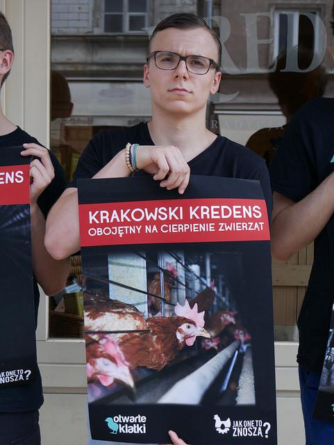 Krakowski Kredens obojętny na okrucieństwo