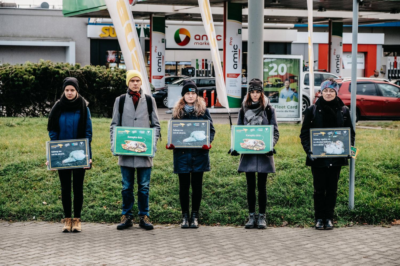 Demonstracja pod restauracją Subway w Katowicach