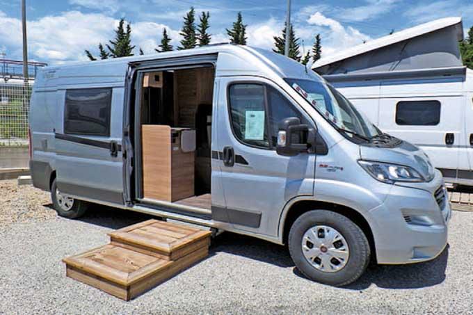 Camping-car CARADO 600