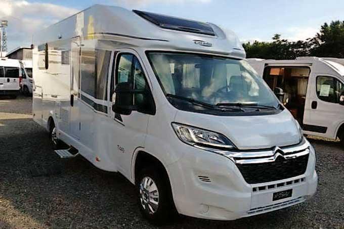 Camping-car CARADO 449