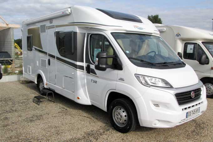 Camping-car CARADO 348,