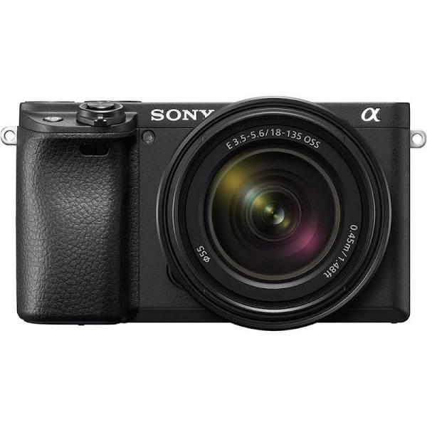 Sony A6400 + 18-135 OSS
