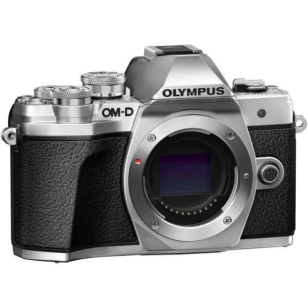 Olympus OM-D E-M10 Mark III + 14-42 EZ Silver