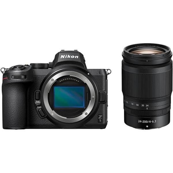 Nikon Z5 kamerahus + Nikkor Z 24-200/4-6,3