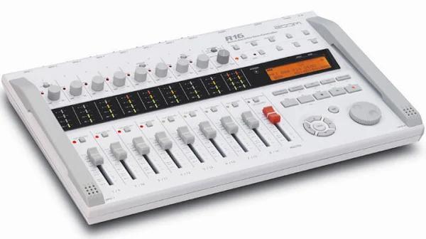 Zoom R16 Recording studio
