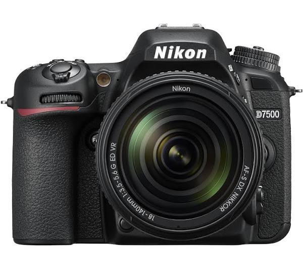 Nikon D7500 + AF-S 18-140mm VR