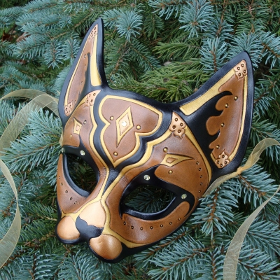 Brown Persian Cat Leather Mask