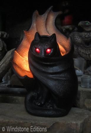 spooky Grimalkin candle lamp