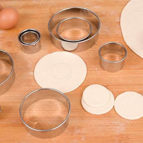 Taglio della Pasta con i Coppapasta Rotondi in Acciaio Inox Zitfri