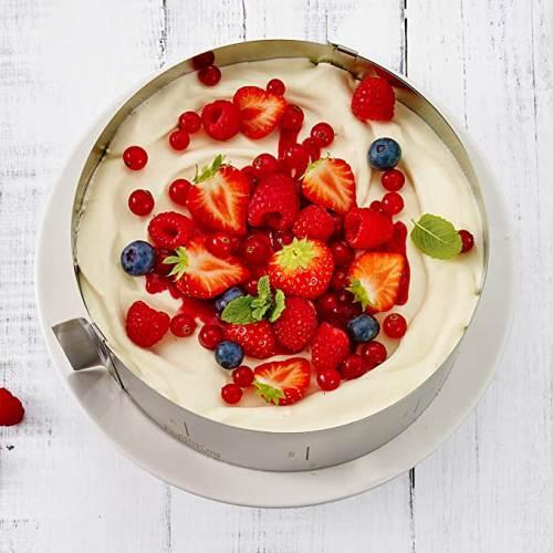 Torta con Crema Fragole e Frutti di bosco realizzata con Coppapasta per Torte Rbv Birkman