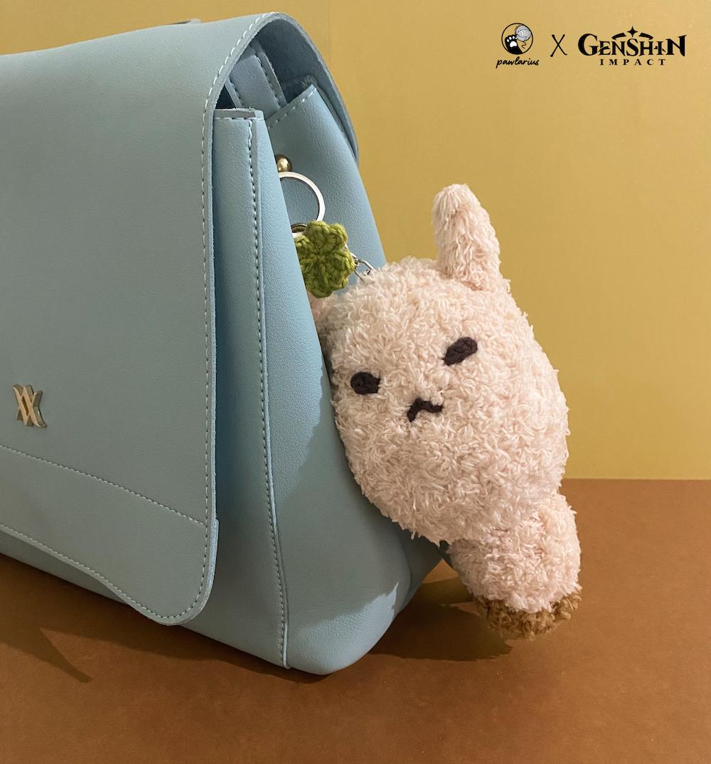Original handmade amigurumi Klee Dodoco as keychain, bag accessories or cosplay.<br />     Material is fluffy yarn with size around 15cm x 8cm.