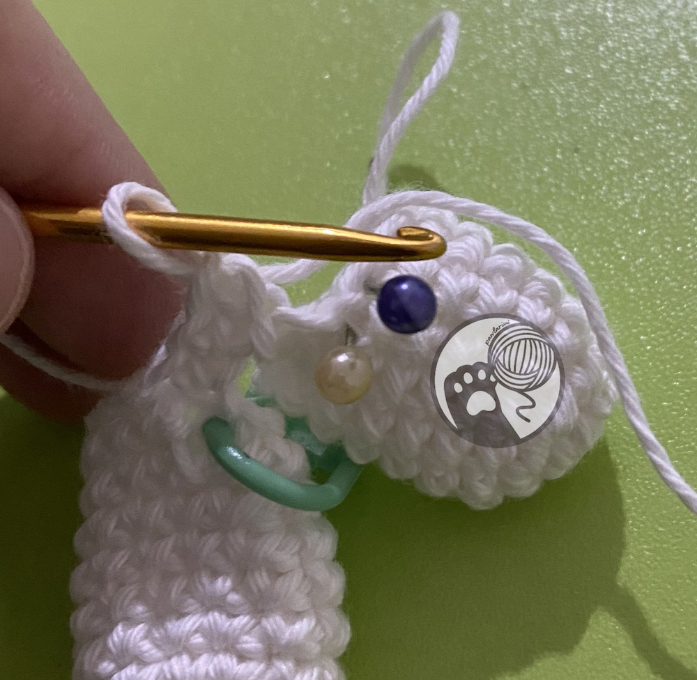https://storage.googleapis.com/pawlarius-blog-assets/amigurumi/hello-kitty/leg-draft-3.JPG