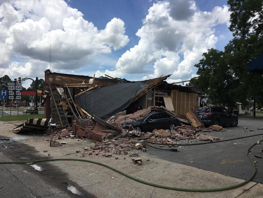 Ruptured gas line causes coffee shop blast in South Ga., injuring 3