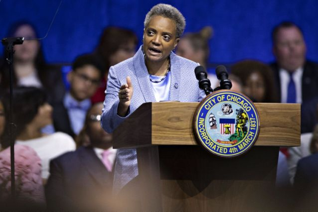 Chicago Mayor Vows to Shield Migrants From Raids by U.S. Agents