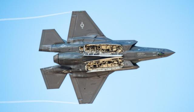 World F-35 Pilot Was Disoriented When His Jet Hit the Water at More Than 683 MPH