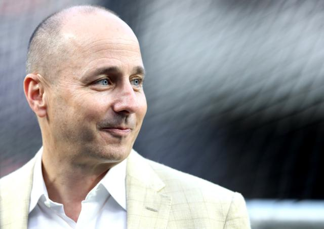Police draw guns on Yankees GM Brian Cashman after mistaking him for car thief