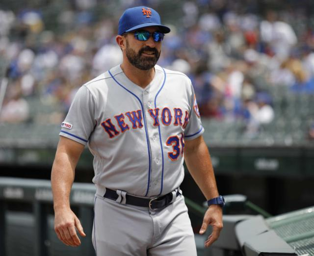 Mets Mickey Callaway loses cool while Jason Vargas charges reporter following loss to Cubs