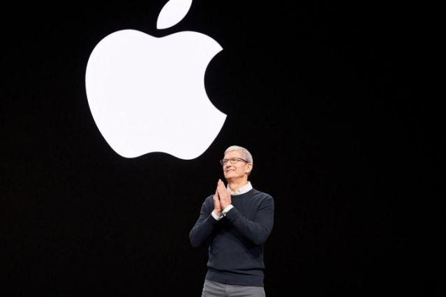 Apple spends $30M per month on Amazon Web Services to keep its cloud software running