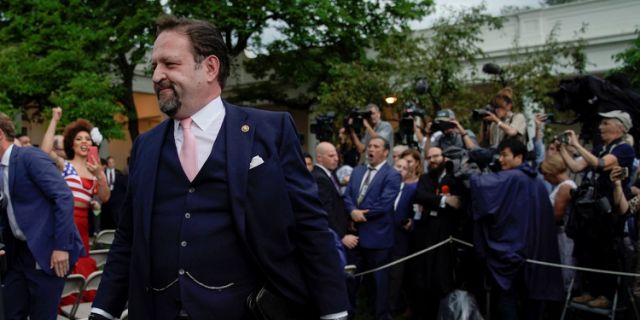 Former Trump aide Sebastian Gorka screamed in a journalist's face in the Rose Garden as supporters cheered