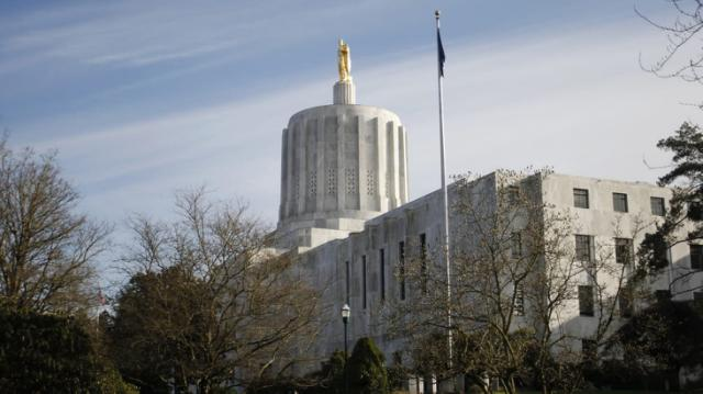 Oregon Statehouse Shut Down After Lawmakers Team Up With Right Wing Militias