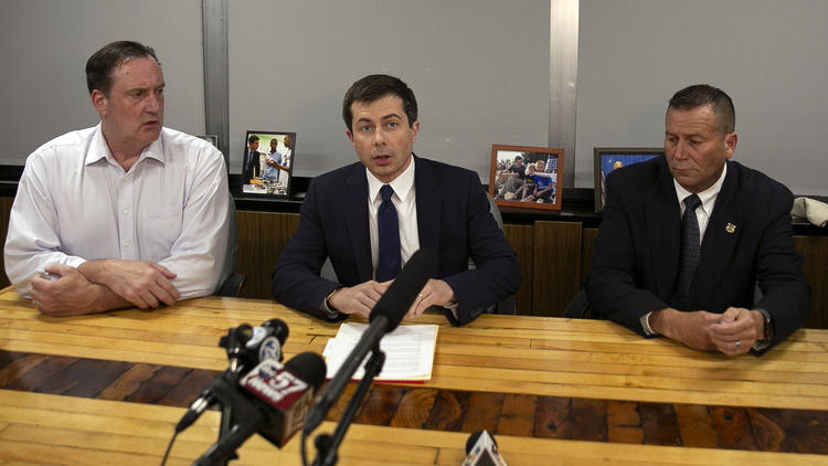Pete Buttigieg returns to South Bend from campaign trail after man killed by police