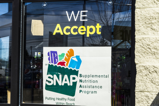 Georgia reportedly kicks thousands of people off food stamps