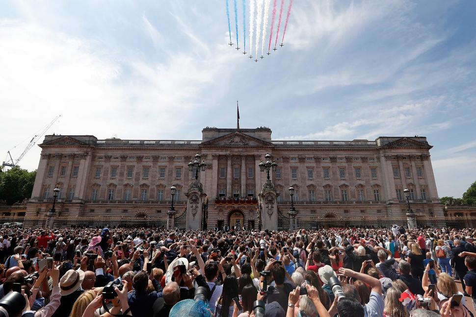 Prince Harry, Meghan Home Renovations Cost Taxpayers $3M Buckingham Palace says the monarchy cost the taxpayer 67 million pounds ($85.2 million) during 2018-19, a 41% increase on the previous financial year.