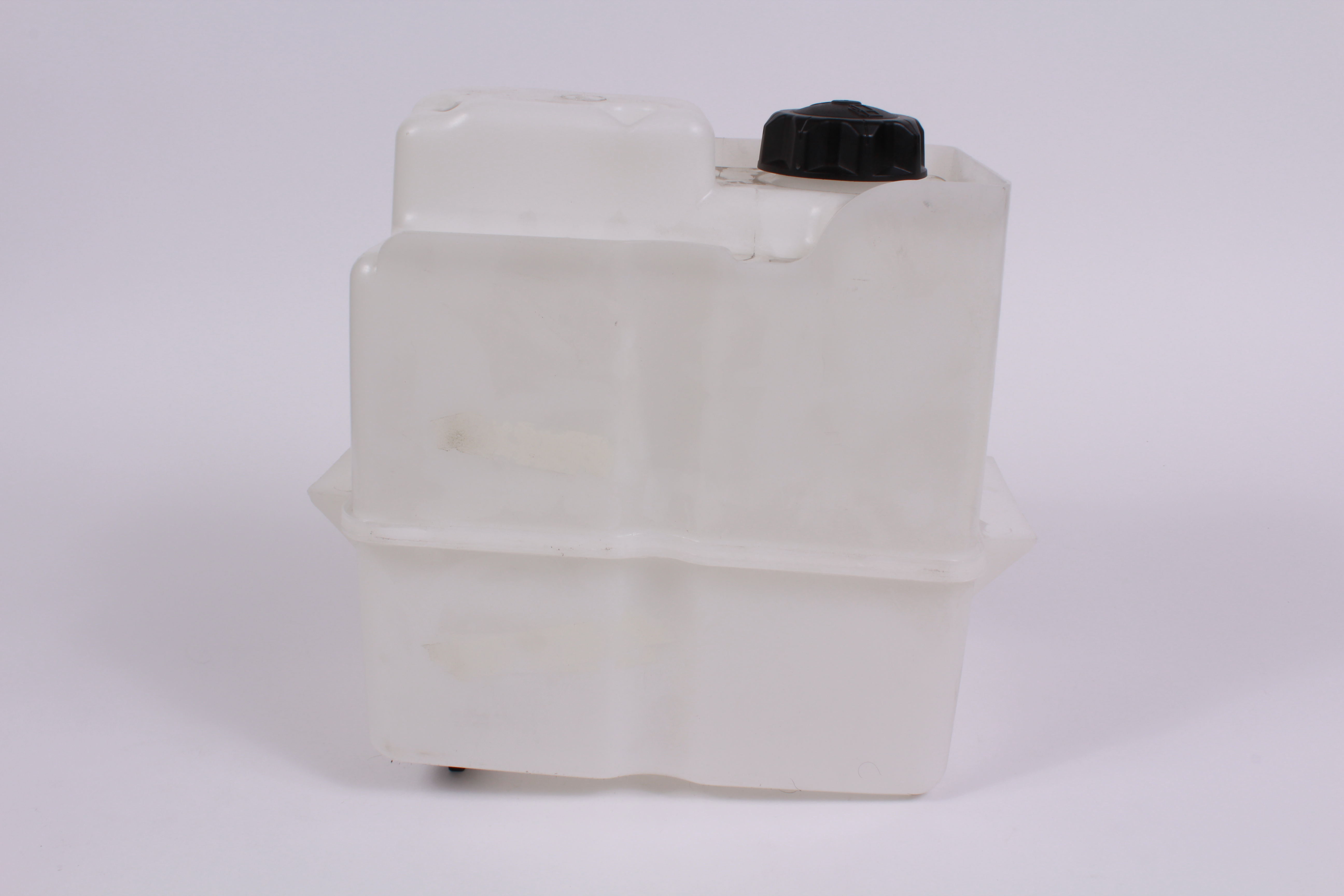2.5 Gallon White Plastic Gas Tank replacement Husqvarna Part # 407489