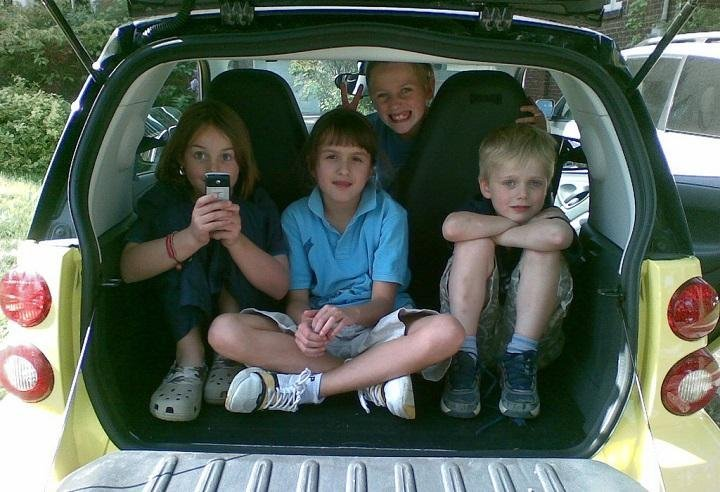 What to Pack When on a Road Trip with Kids: A Checklist