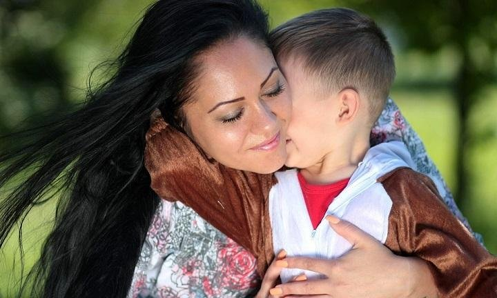 5 Activities for Mothers to Bond With Sons