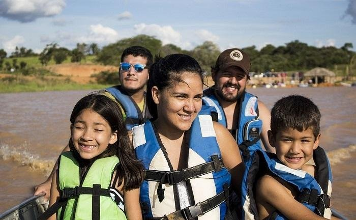 8 Reasons Why Family Vacations are Good for Children