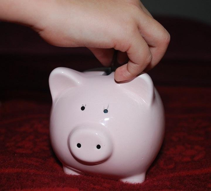 10 Important Money Habits We Can Teach Children