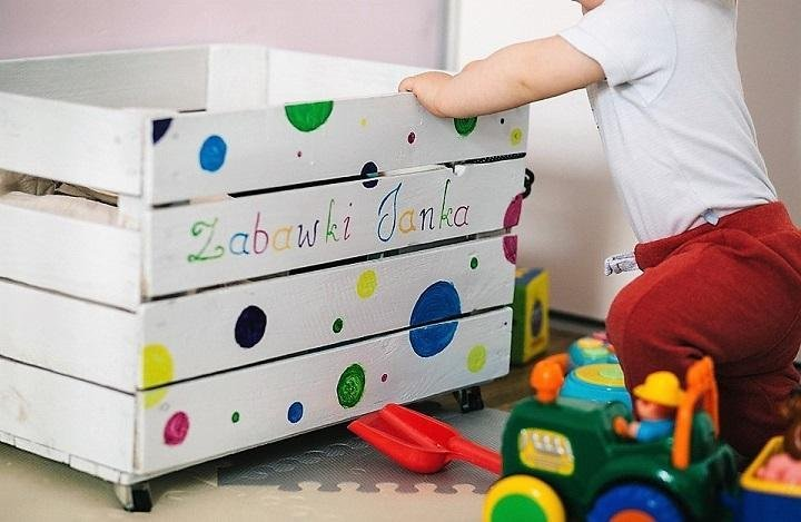 5 DIY Ideas to Reduce Clutter in Your Child's Room
